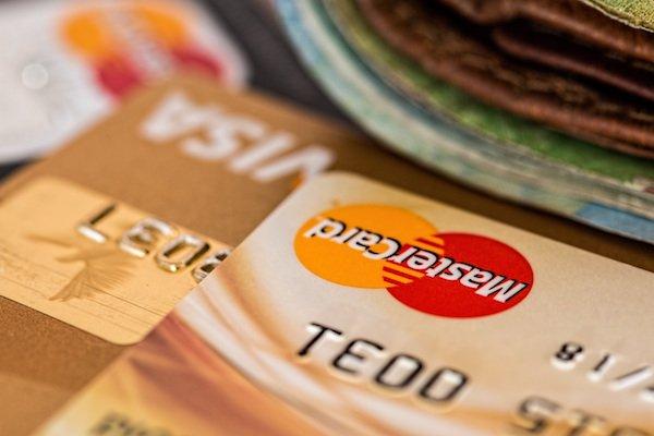 credit-card-Zkqeo3.jpg