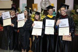 diplomas-300x200-ylZS4b.jpg