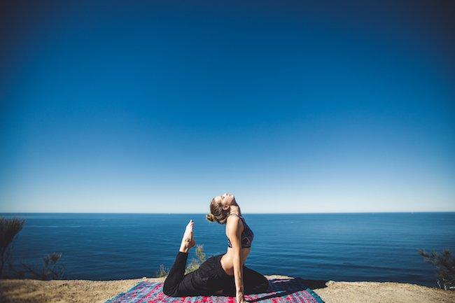 Yoga_on-beach-1-vL4gqR.jpg